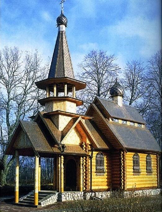 бревенчатая церковь